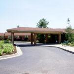 outside entrance to Wood Glen Alzheimer's Community